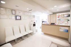 海岸歯科室医療法人社団康樹会の待合室