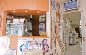 ご予約の相談はもちろん、治療中のご要望から、歯ブラシ・歯みがきのご相談まで笑顔で承っております。歯ブラシなどのデンタルグッズも販売しております。