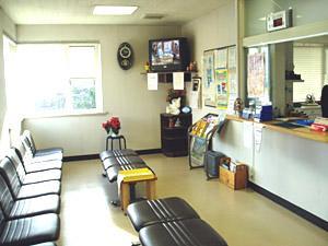 塚本内科消化器科の待合室
