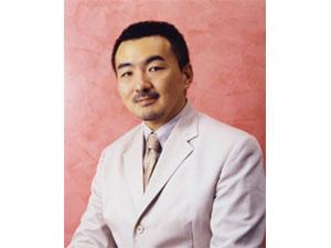 両国東口クリニックの諸見里 仁 先生
