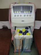 古岡整形外科の干渉電流型低周波治療器